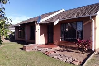 3 Bedroom House for sale in Esikawini - Umzimkhulu