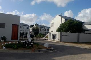 2 Bedroom Apartment for Sale in a Secure Complex in Moorreesburg. Open Plan and Tiled Kitchen/Dining and Lounge with DSTV Dish. Both ...