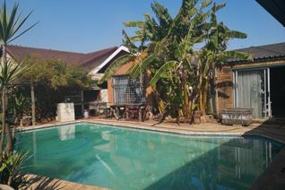 4 Bedroom House for sale in Brenthurst - Brakpan