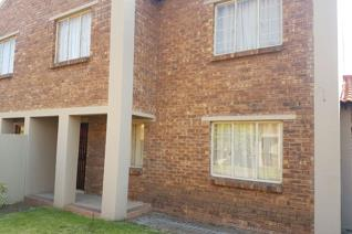 Lovely townhouse in a secure complex.   Ideal for a young married couple starting out.   Come view today to avoid disappointment.