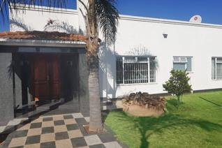 3 Bedroom House for sale in Bardene - Boksburg