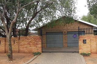 2 Bedroom Apartment / flat to rent in Universitas - Bloemfontein