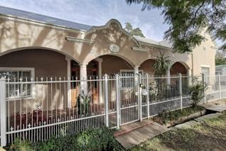 4 Bedroom House for sale in Cradock - Cradock
