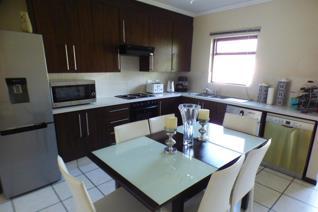 3 Bedroom Apartment / flat to rent in Broadacres - Sandton