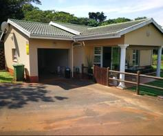 Townhouse for sale in Illovo Beach