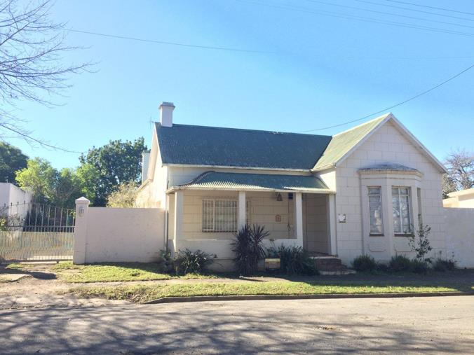 4 Bedroom House for sale in Kingswood - 14 Napier Street