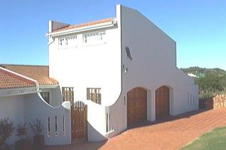 4 Bedroom House for sale in Kleinemonde - Kleinemonde