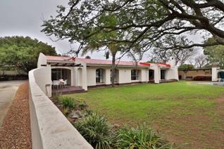 4 Bedroom House for sale in Beverley Grove - Port Elizabeth