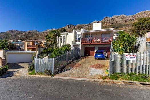 Property and houses for sale in Gordons Bay : Gordons Bay