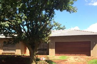 Beautiful new modern house for sale including an open plan kitchen with a separate ...