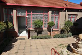 3 Bedroom House for sale in Krugersdorp North - Krugersdorp