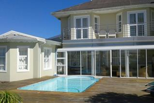 SLEEPS 10  FULLY EQUIPPED  Rates for Dec R 6000 pn Minimum of 3 nights booking  Book ...