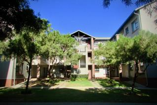 Situated in the ever popular THE HYPERION, this modern middle floor unit is the perfect ...