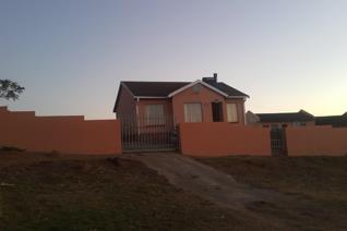 Beautiful starter house in the heart of Breidbach, well taken care of and fully walled. This house is situated on the Protea Drive ...