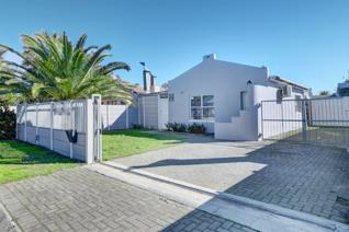 2 Bedroom Townhouse for sale in Bonnie Brae - Kraaifontein