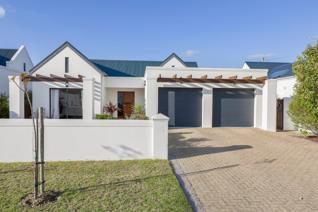 4 Bedroom House for sale in Croydon Olive Estate - Somerset West