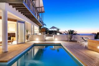 4 Bedroom House to rent in Camps Bay - Cape Town