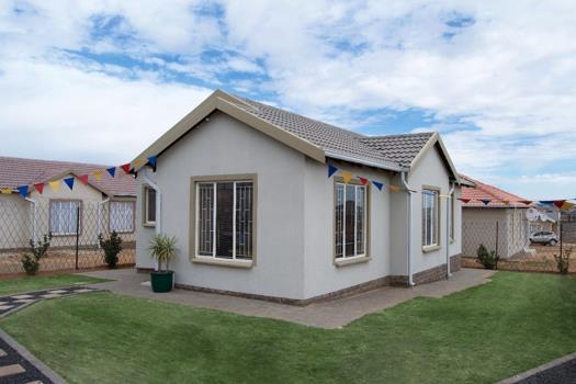 3 Bedroom House for sale in Klarinet