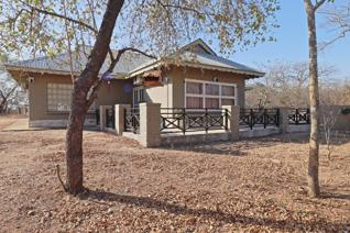 4 Bedroom House for sale in Marloth Park - Marloth Park