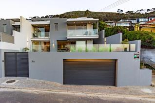 Move right into this immaculate, newly built, modern home with gorgeous views in the ...