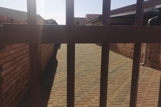 2 Bedroom House to rent in Tasbet Park - Witbank