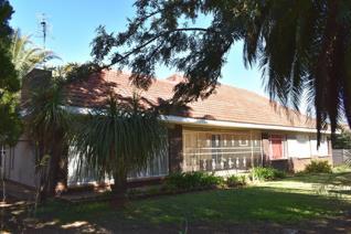 3 Bedroom House for sale in Baillie Park - Potchefstroom