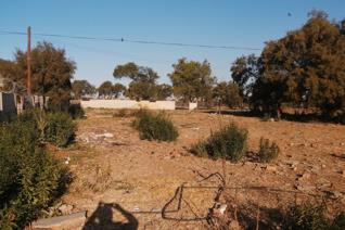 This vacant land measures 883 m. Buy and built your dream home. Great potential.