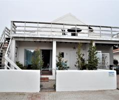 House for sale in Hannasbaai