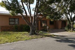 Want to live in a peaceful neighborhood in Ceres? Then this house is a must-see! The ...