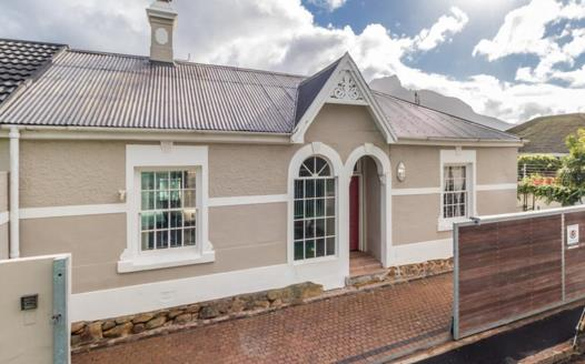 3 Bedroom House for sale in Claremont