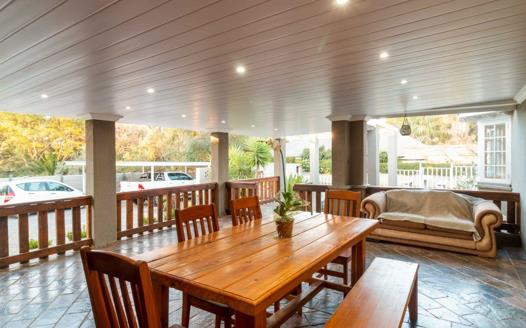 5 Bedroom House for sale in Waverley