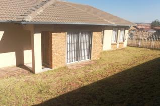 3 Bed 2 Bath units situated in Rooihuiskraal. Private garden with beautiful view. 2 ...