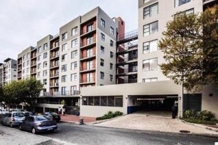 Guide price r 1 300 000 to r 1 600 000  apartment with fabulous in-house amenities unit ...