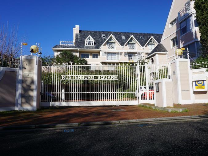 2 Bedroom Apartment / flat for sale in Rondebosch Village