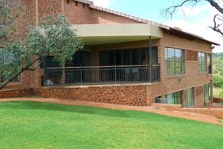 Located 10km from Swartruggens and 50km from Rustenburg, this 440m² house is built within a private reserve of 1693Ha. Surrounded ...