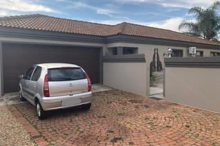 Modern Spacious Family Home. Sole Mandate.  4 Bedrooms, 2 Full bathrooms, Very modern kitchen, Open plan lounge, Dining room ...