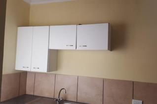 1 BEDROOM 1 BATHROOM  This neat bachelor flat located on the 3rd floor in Florida offers 1 bedroom, 1 bathroom, Lounge and kitchen.   1 ...