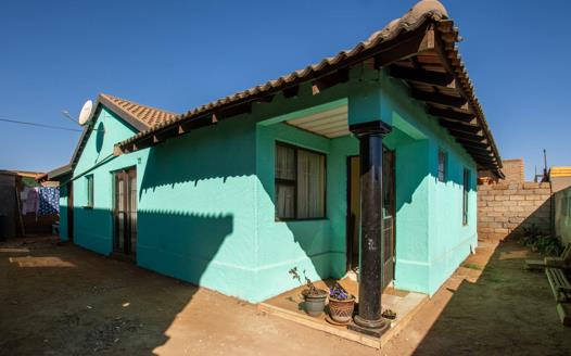 3 Bedroom House for sale in Protea Glen