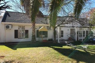Offers:4 bedroom,2 bathrooms, 3 living areas & a kitchen. An outside braai area leading to the pool. Single garage & double ...