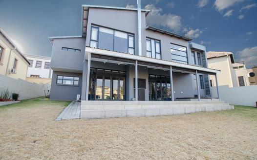 4 Bedroom House for sale in Kyalami Glen Estate