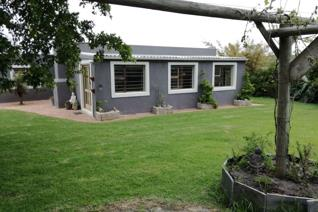 An excellent opportunity to own this unique smallholding, measuring 1.468 ha (zoned as ...