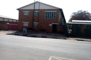 A large 2 bedroom flat in a CBD of Kempton Park for sale offers a lounge, large kitchen ...