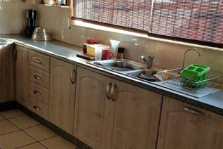PRE PAID ELECTRICITY R6500 DEPOSIT R600 WATER DEPOSIT  Spacious tiled lounge with arch to a modern fitted kitchen with under counter ...