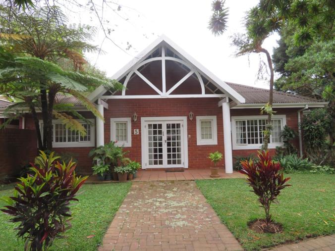 3 Bedroom Townhouse for sale in Kloof - P24-107834776