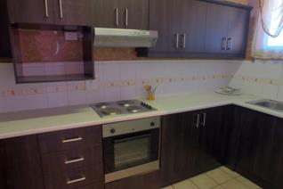 This 3 bedroom apartment has a modern kitchen, large lounge, dining room with small balcony. Bathroom with separate toilet. All bedroom ...