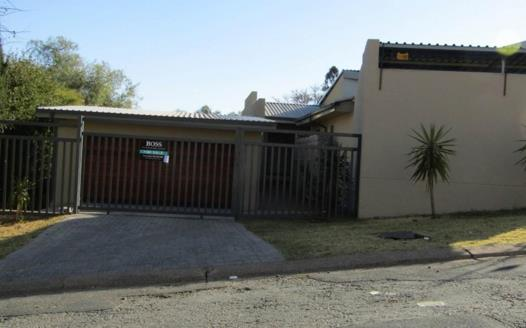 3 Bedroom Townhouse for sale in Mulbarton