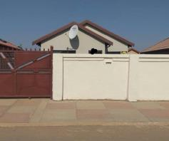 House for sale in Soshanguve East Ext 4