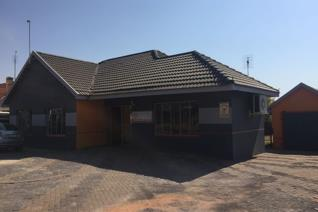 Nice office premises with reception, kitchen and three offices near N12.  Entrance Area, Reception, offices, boardroom and ...