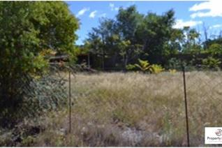 This vacant stand is for sale in the beautiful Free State town of Jagersfontein.  The stand is 892m? and is situated in the CBD with ...