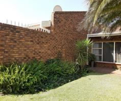 Townhouse for sale in Flora Gardens